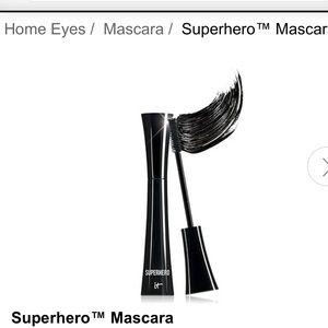 IT works SUPERHERO mascara